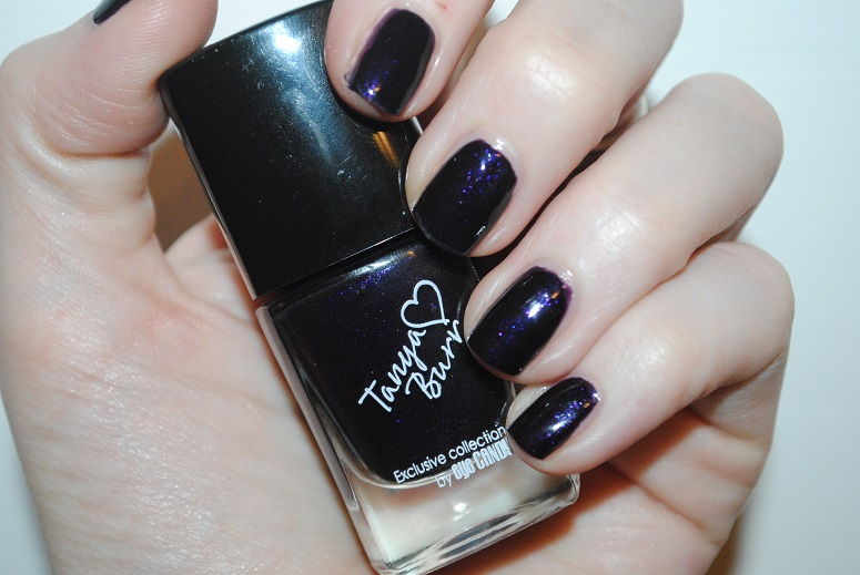 tanya-burr-nail-midnight-sparkle-swatch-review