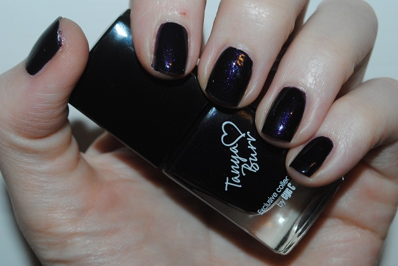 tanya-burr-nail-midnight-sparkle-swatch