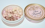 too-faced-sweetheart-beads-radiant-glow-face-powder-review1