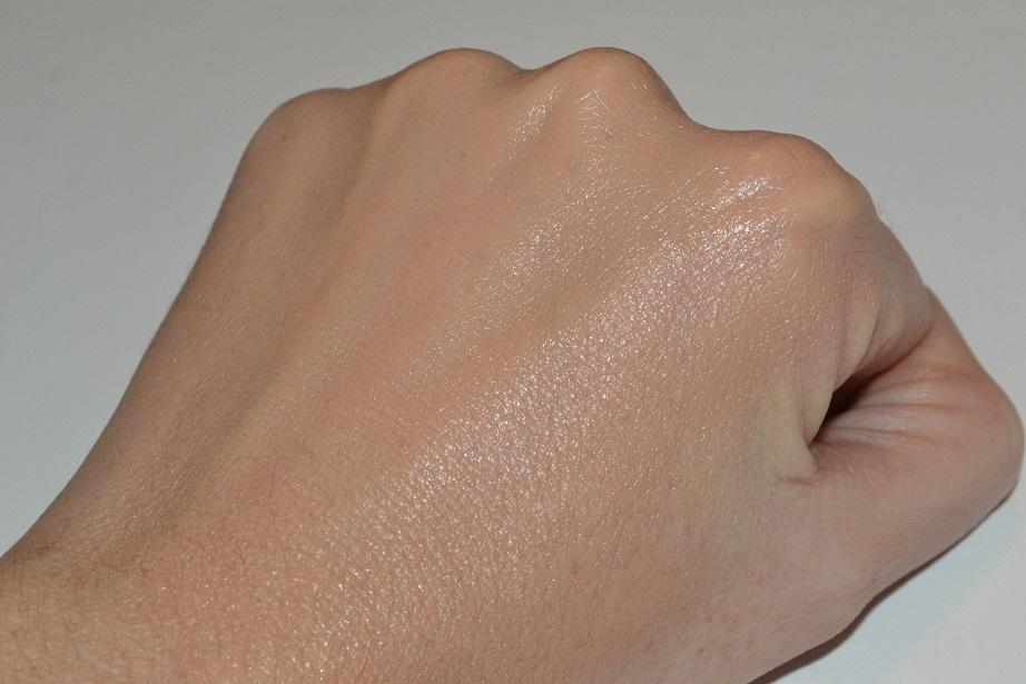 clinique-even-better-makeup-review-swatch-05-neutral