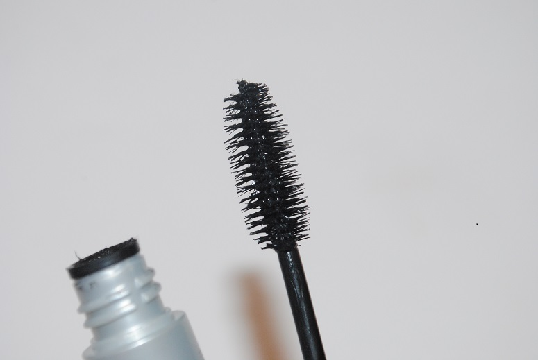 clinique-lash-power-feathering-mascara-brush-review