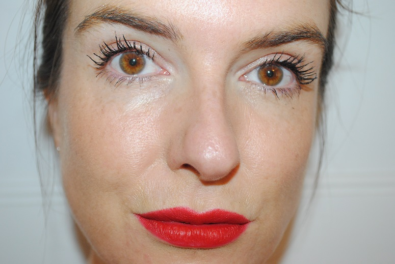 illamasqua-lipstick-maneater-review-swatch