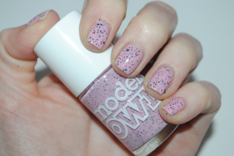 models-own-speckled-eggs-swatch-dove