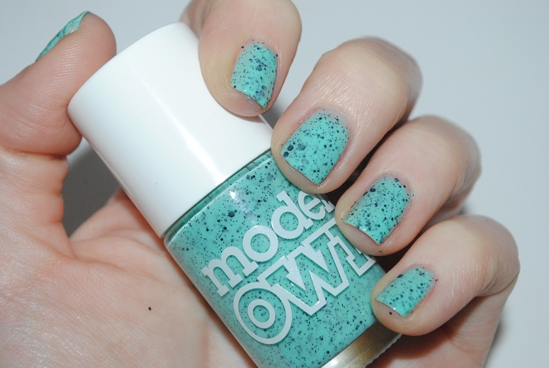 models-own-speckled-eggs-swatch-magpie