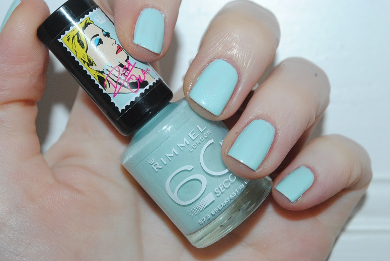 rita-ora-rimmel-nail-breakfast-in-bed- 873-swatch