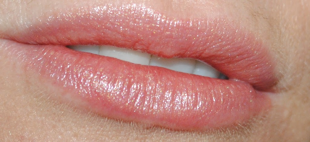 tom-ford-lip-color-sheer-pink-dune-swatch