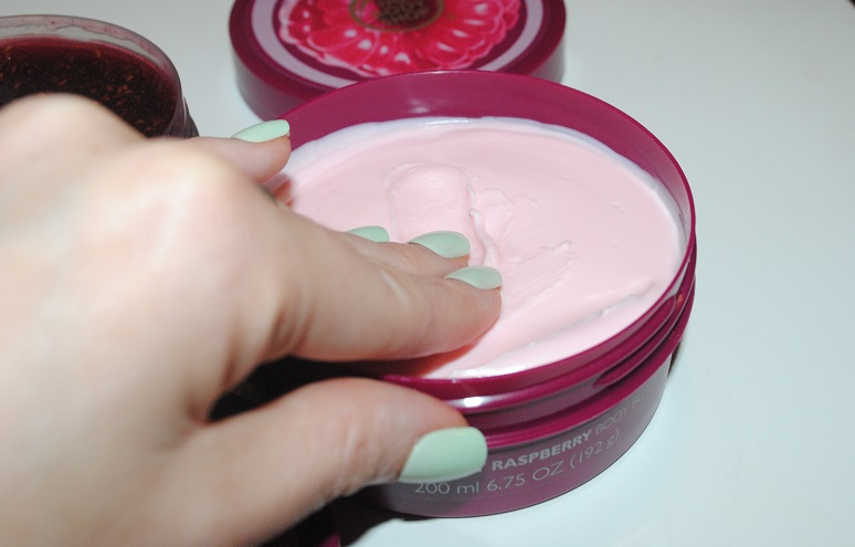 body-shop-early-harvest-raspberry-body-butter-review