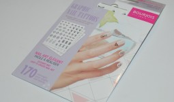 bourjois-nail-cuticle-tattoos-review1
