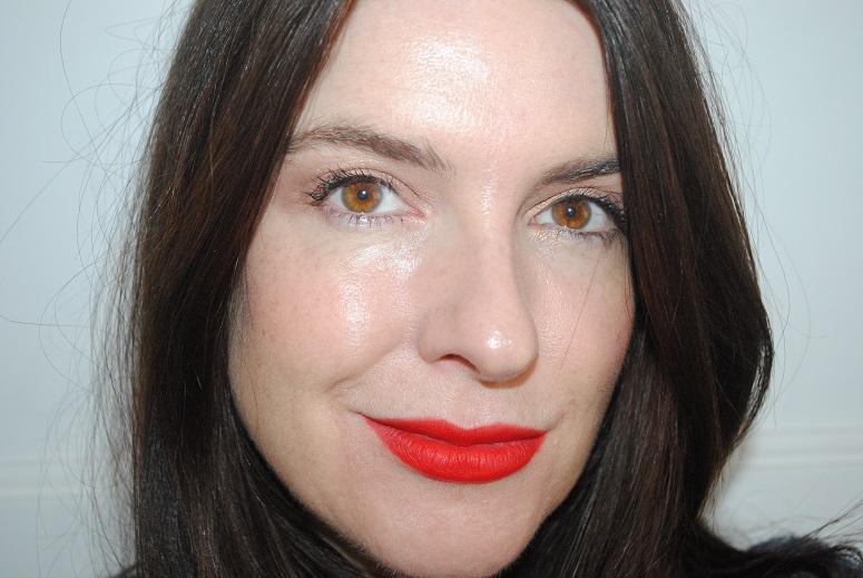 bourjois-rouge-edition-velvet-lipstick-swatch-03-hot-pepper