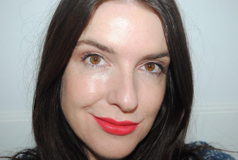 bourjois-rouge-edition-velvet-lipstick-swatch-04-peach-club