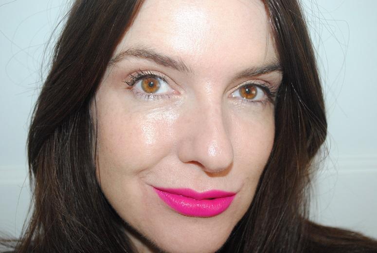 bourjois-rouge-edition-velvet-lipstick-swatch-06-pink-pong