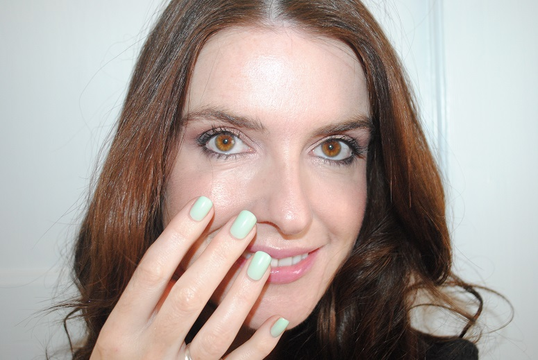 elegant-touch-express-nails-review-mint-pastel-green