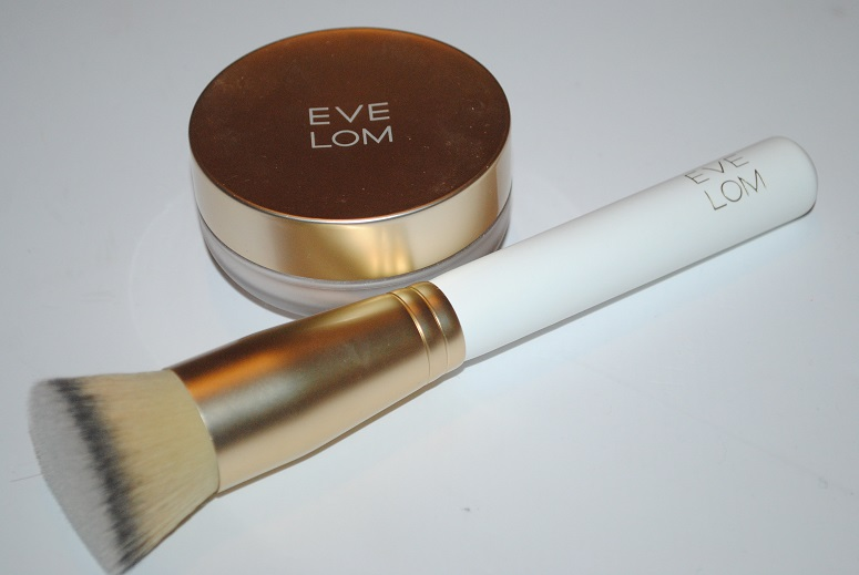 eve-lom-mineral-powder-radiance-foundation-review