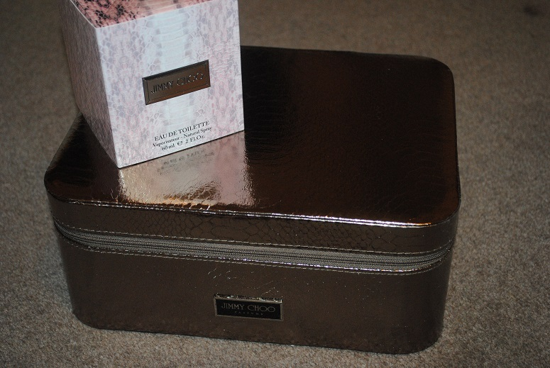jimmy-choo-shoe-case-free-with-fragrance