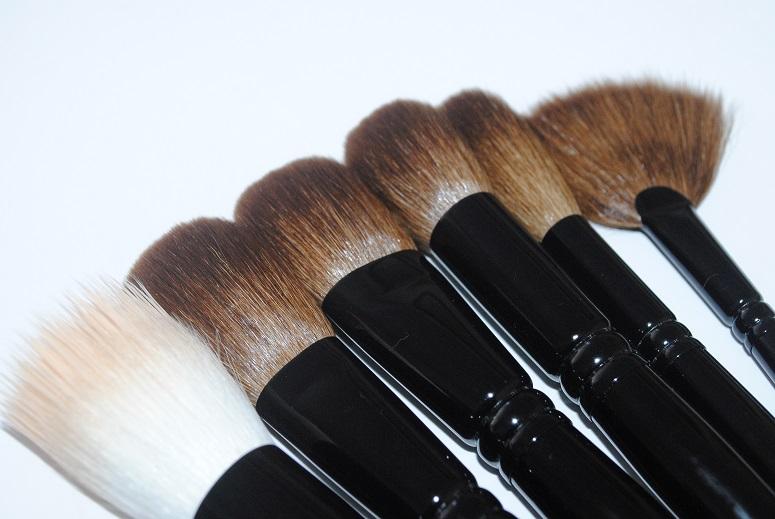wayne-goss-face-set-makeup-brushes