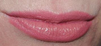 clinique-long-last-lipstick-soft-matte-beauty-50-swatch