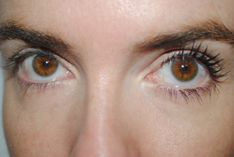 maybelline-the-colossal-go-extreme-volum-before-after
