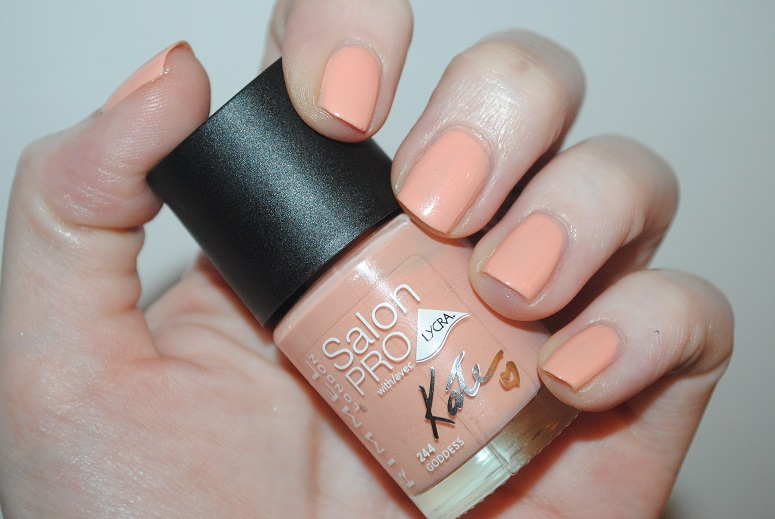 rimmel-kate-urban-bohemian-nail-goddess-244-swatch