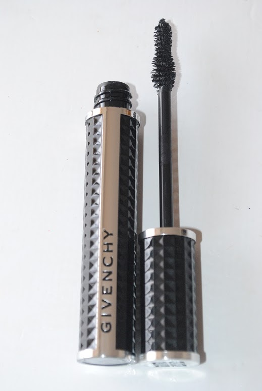 givenchy-noir-couture-volume-mascara-review-brush