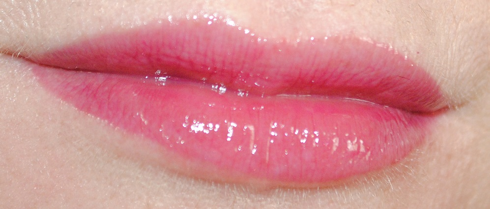 nars-lip-gloss-swatch-sixties-fan
