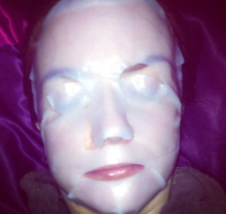 sarah-chapman-skinesis-3d-moisture-infusion-mask-how-to