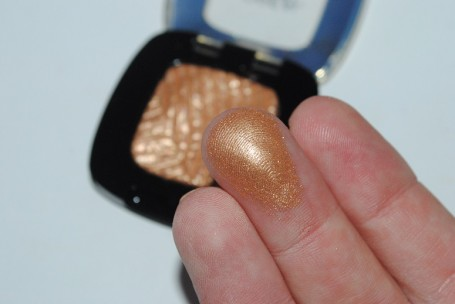 L'oreal-color-riche-mono-gel-eyeshadow-review-gold-mania-swatch