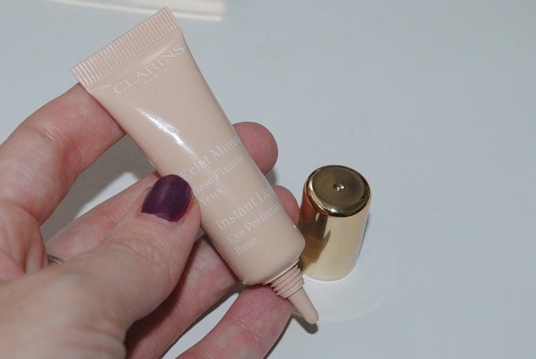 clarins-instant-light-eye-perfecting-base-review-2