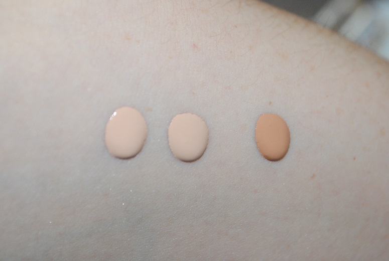 clarins-true-radiance-spf-15-foundation-review-swatches