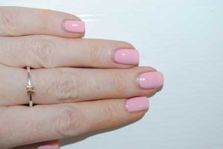 elegant-touch-gel-rocks-review-pink-swatch