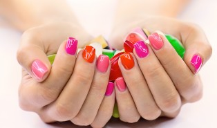 How To Paint Your Nails Like a Pro – Top 5 Tips