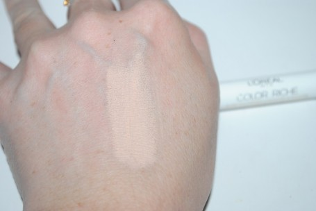 l'oreal-color-riche-eyeshadow-primer-pencil-review-swatch