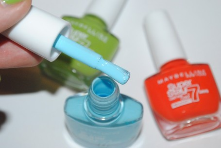 maybelline-forever-strong-super-stay-nail-colour-review