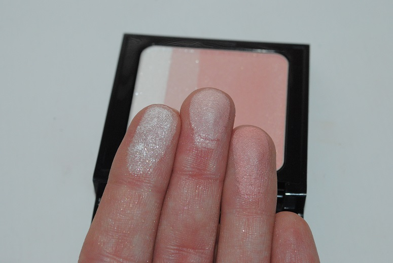 bobbi-brown-surf-and-sand-brightening-blush-pink-swatch