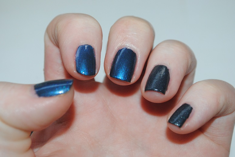 mac-nail-transformations-swatch-leather-blue-pearl