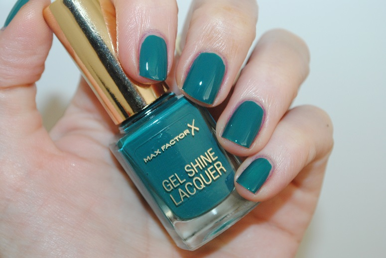 max-factor-gel-shine-lacquer-swatch-gleaming-teal