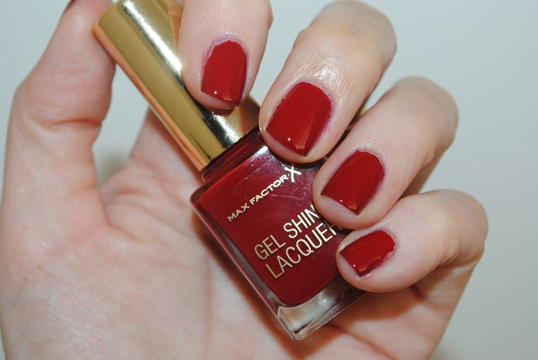 max-factor-gel-shine-lacquer-swatch-radiant-ruby