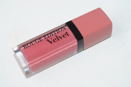 Bourjois-Rouge-Edition-Velvet-Happy-Nude-Year-review
