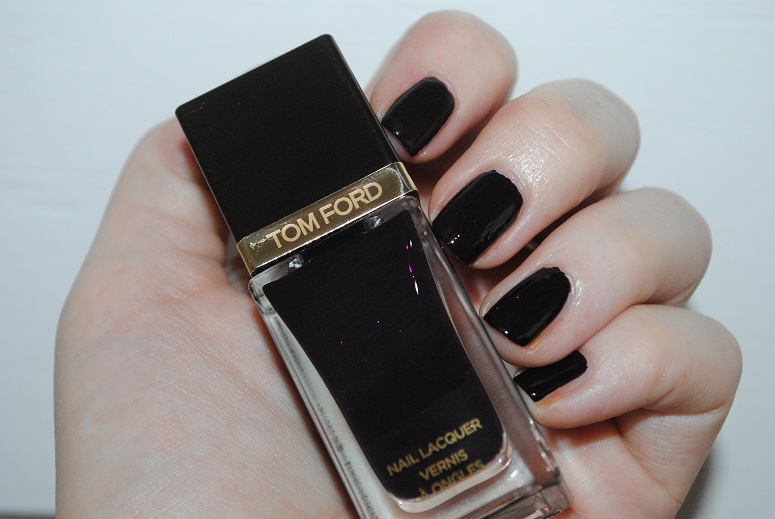 Tom-Ford-Fall-2014-Nail-Lacquer-Black-Cherry-swatch-2
