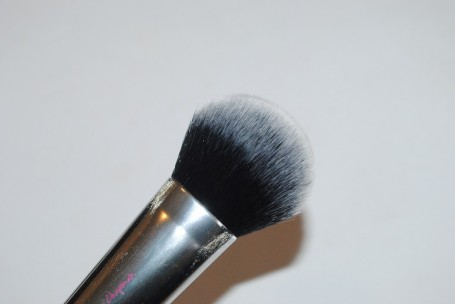 real-techniques-nic's-picks-cheek-brush-review