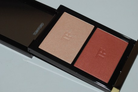 tom-ford-color-contouring-cheek-color-duo-review-stroked-2