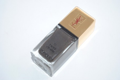 ysl-fall-2014-makeup-swatches-la-laque-couture-taupe-graine