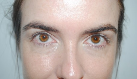By-Terry-Terrybly-Densiliss-concealer-review-before