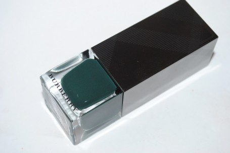 burberry-nail-polish-dark-bottle-green-423-review