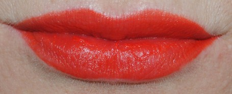 rimmel-apocalips-matte-lip-lacquer-swatch-orange-ology-405