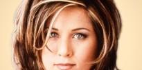 90s-beauty-icons-drew-jennifer-aniston