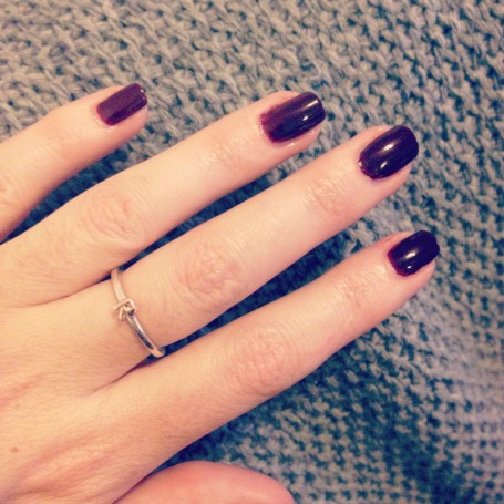 Burberry-Beauty-Christmas-2014-Makeup-Collection-nail-oxblood-swatch