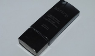Laura Mercier Smooth Finish Flawless Fluid Foundation Review