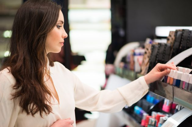 7 Dos and Don'ts of Visiting a Beauty Counter