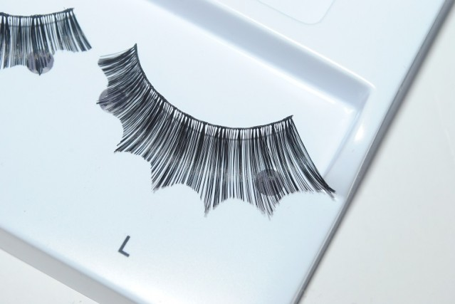 eylure-halloween-lashes-batwing-review