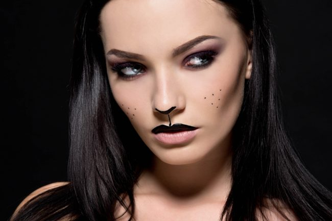 Quick Tips for Halloween Makeup From Your Kit! - Really Ree